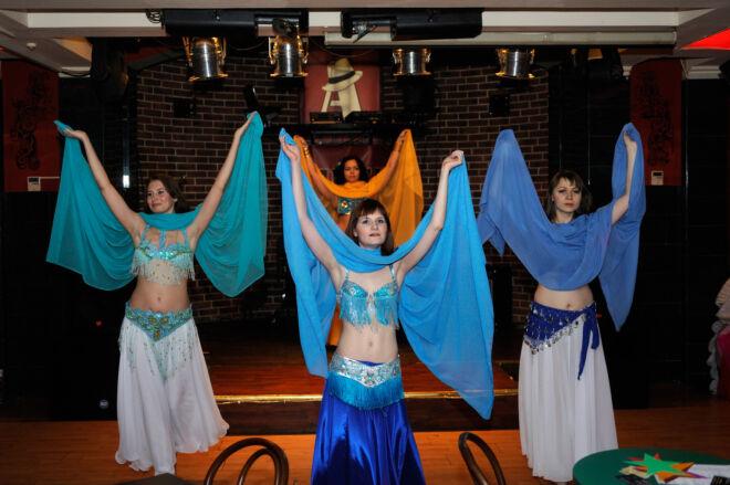 Танец с платками